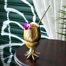 Ananas Becher mit Strohhalm
